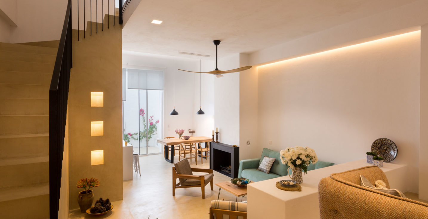 Luxurious townhouse in Estepona. Casa de la Luz Living Room Lighting