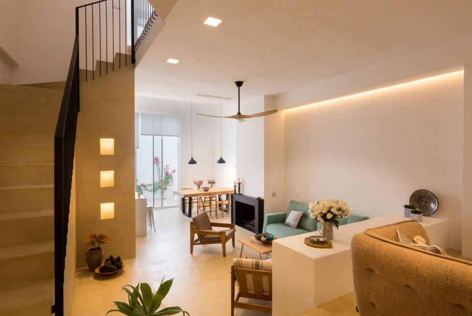 Luxurious townhouse in Estepona. Casa de la Luz Living Room Lighting
